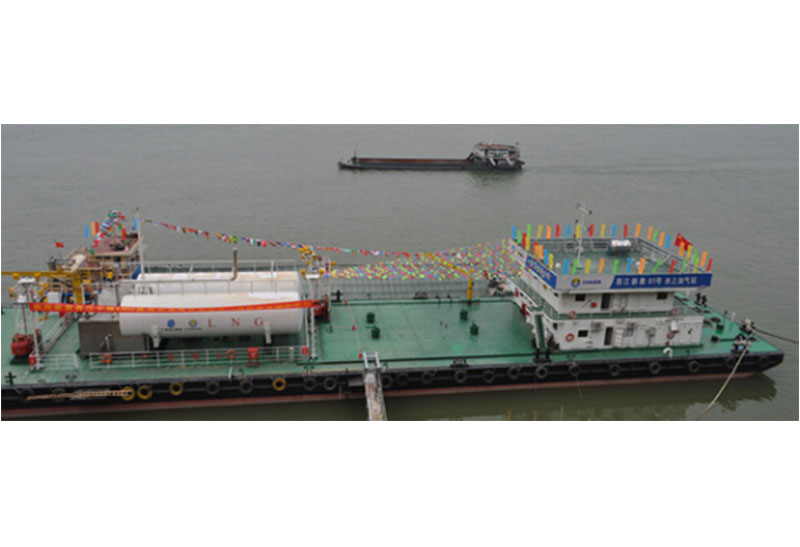 LNG加燃料浮桥设备